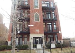 S Lake Park Ave Apt 2