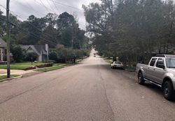 Greymont Ave
